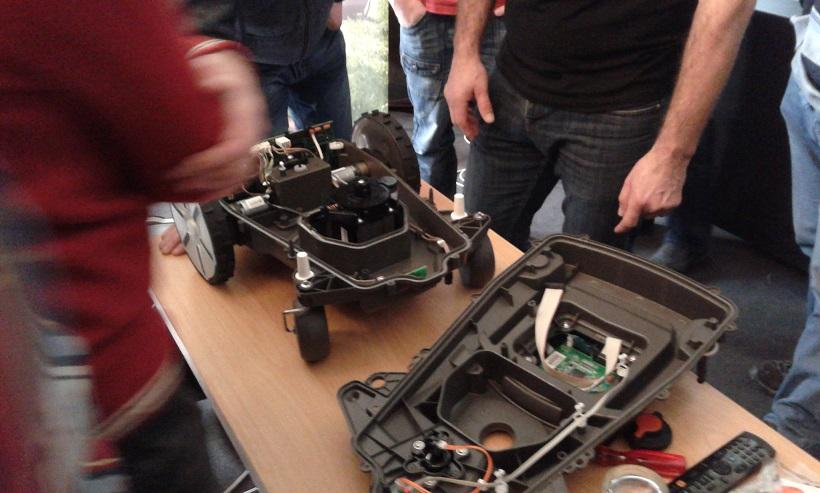 Zelené údolí na školení robotických sekaček Gardena